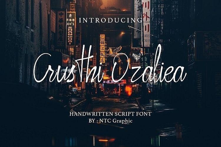 Crusthi Ozaliea飘逸的钢笔艺术手写英文签名字体下载